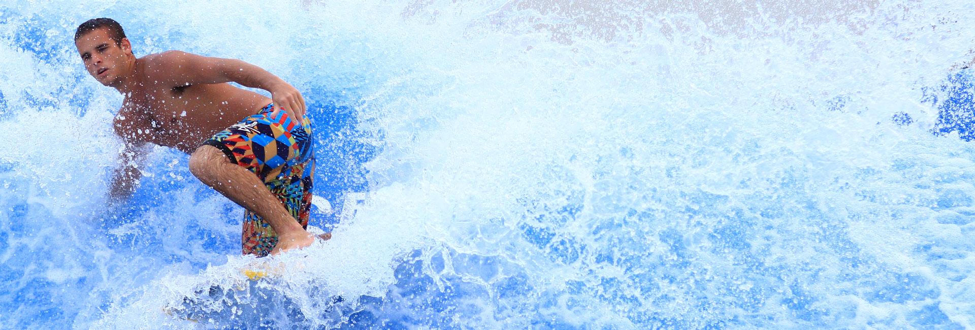 w-h_hm-slidr_surfer_1920x650